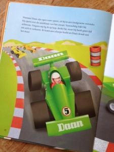 Daan in de raceauto2