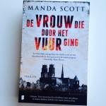 De vrouw die door het vuur ging – Manda Scott